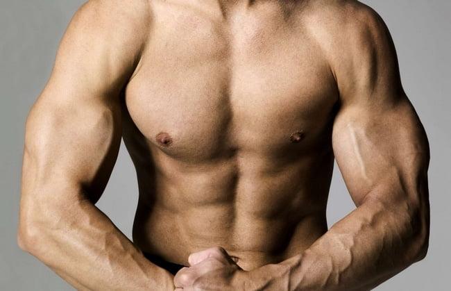 Dicas de como se vestir homens musculosos HQSC