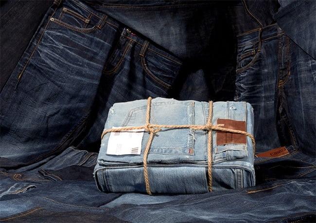 Marca de roupas usa seu próprio Jeans como embalagem HQSC 3