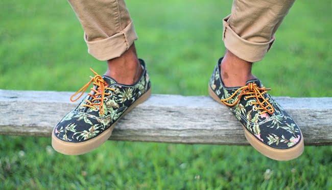 Sapatos com estampa floral HQSC 1