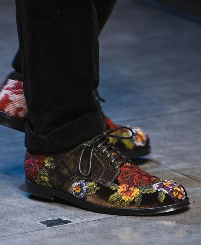 Sapatos com estampa floral HQSC 5