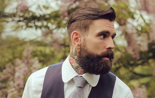 Cortes de cabelo masculino em alta Homens que se cuidam Lateral raspada + barba grande 1