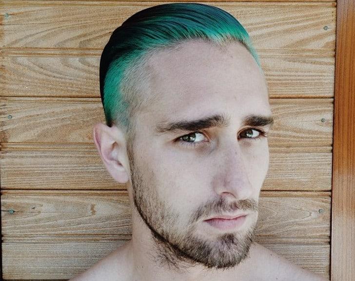 A onda dos cabelos e barbas tingidos Merman Hair Homens que se cuidam 5