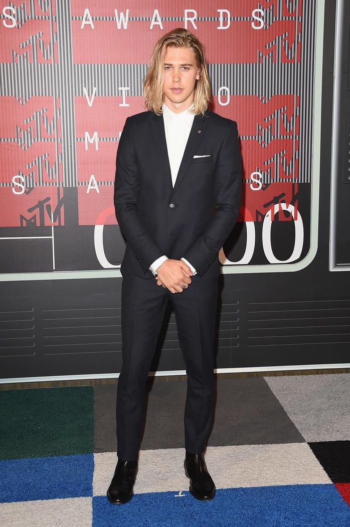 Looks Masculinos do VMA Homens que se cuidam Austin Butler