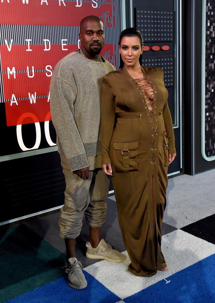 Looks Masculinos do VMA Homens que se cuidam Kim Kardashian