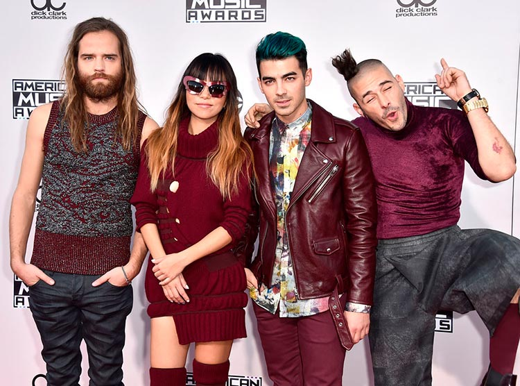 DNCE american music awards 2015