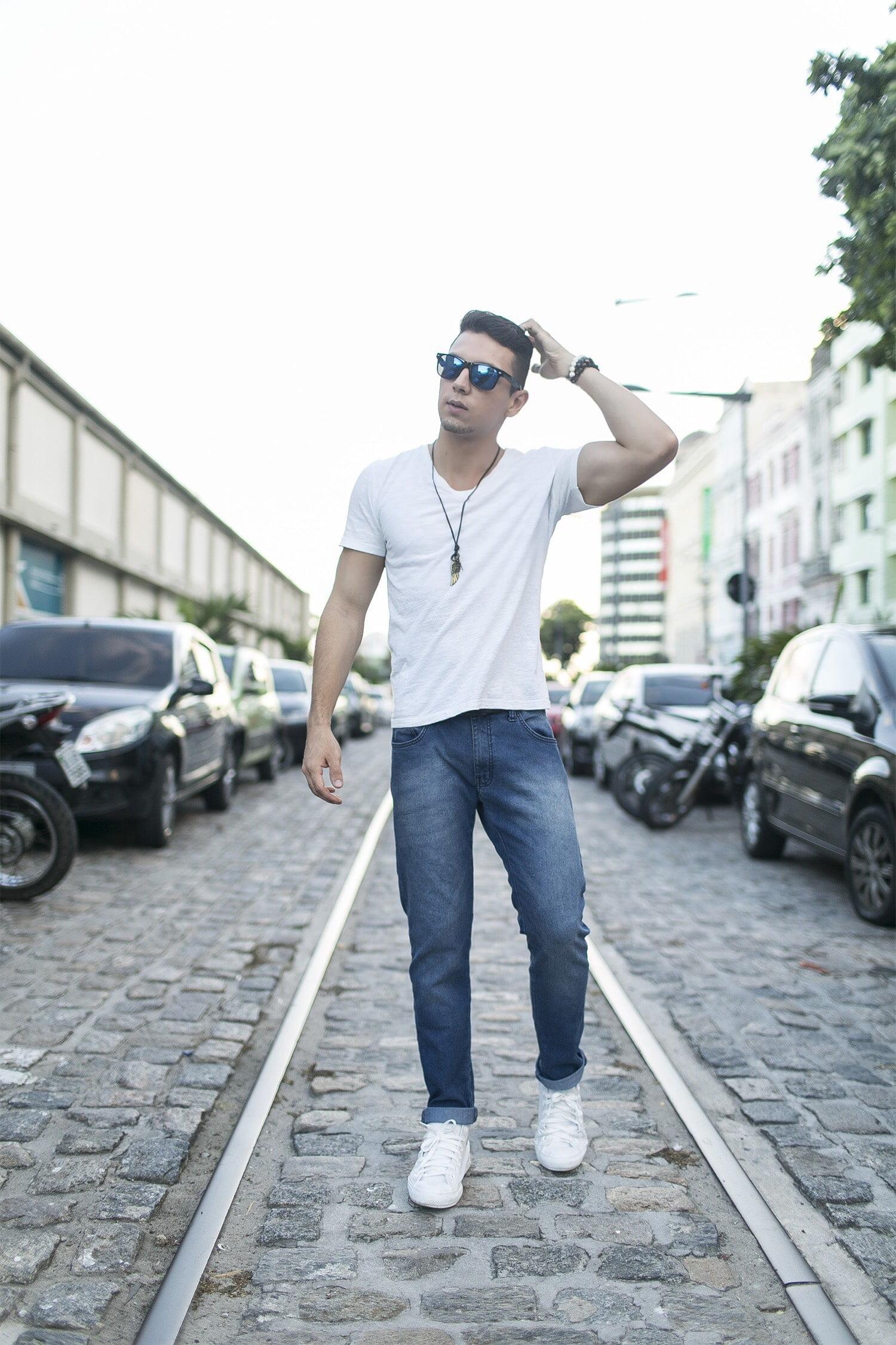 Estilo HQSC Básico com Sneakers Juan Alves 2