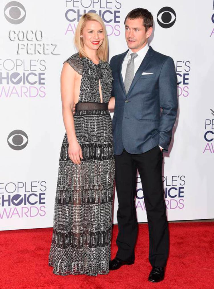 Hugh Dancy Looks People's Choice Awards