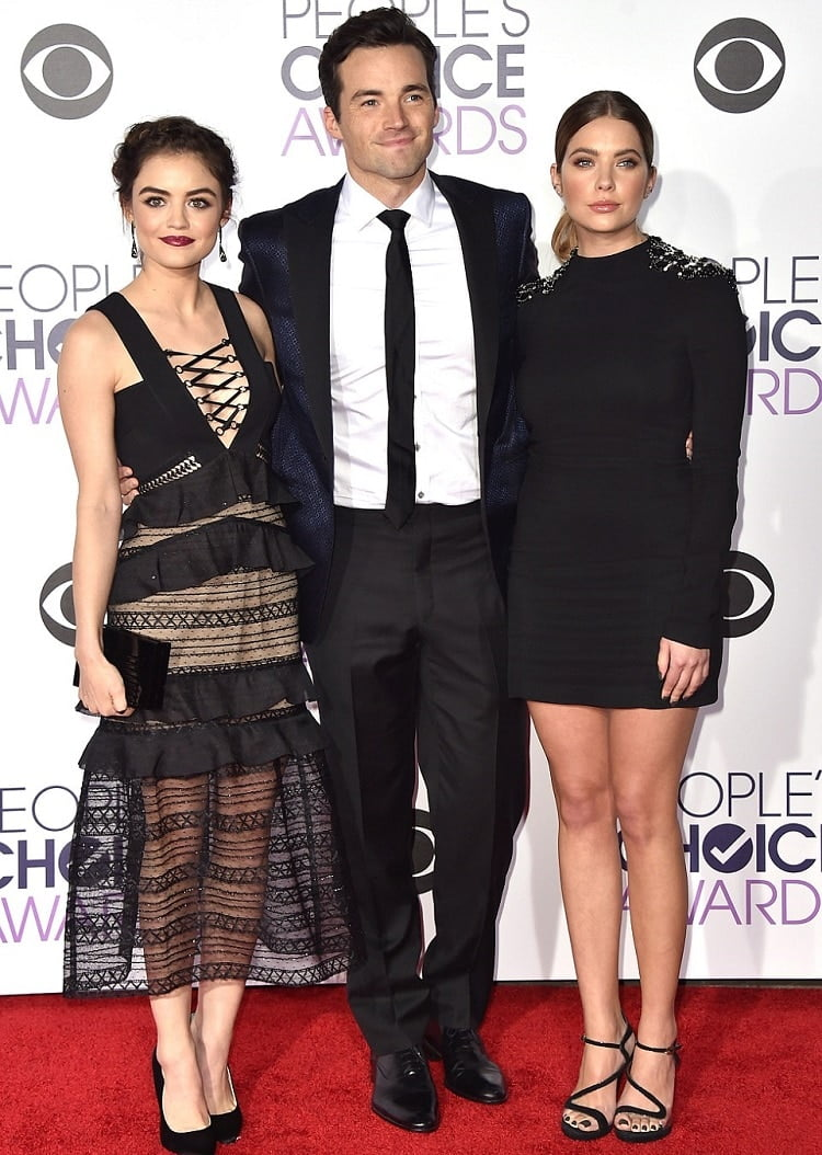Ian Harding Looks People's Choice Awards
