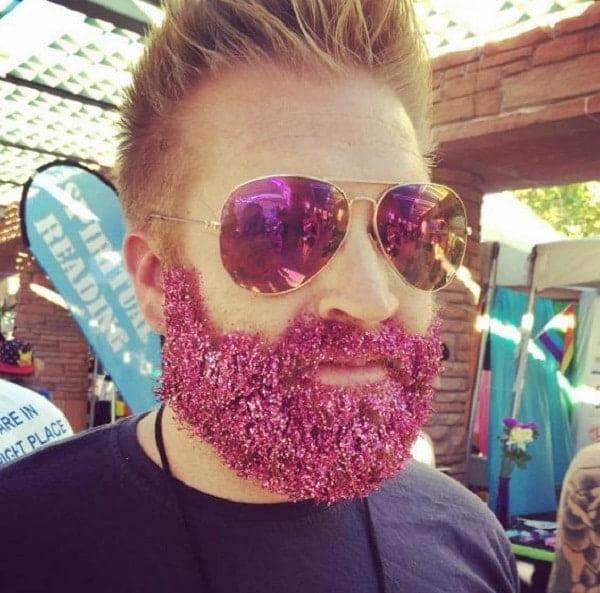 Aposte no glitter para fantasia masculina nesse carnaval homens que se cuidam 5