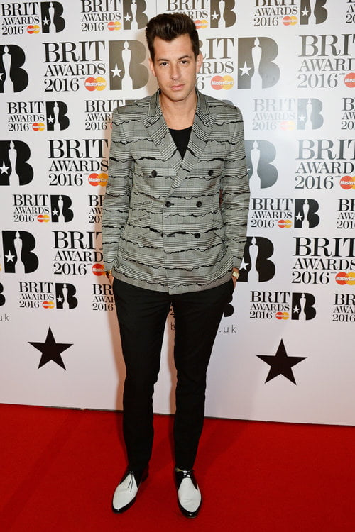 Mark Ronson Brit Awards 2016 Homens que se cuidam
