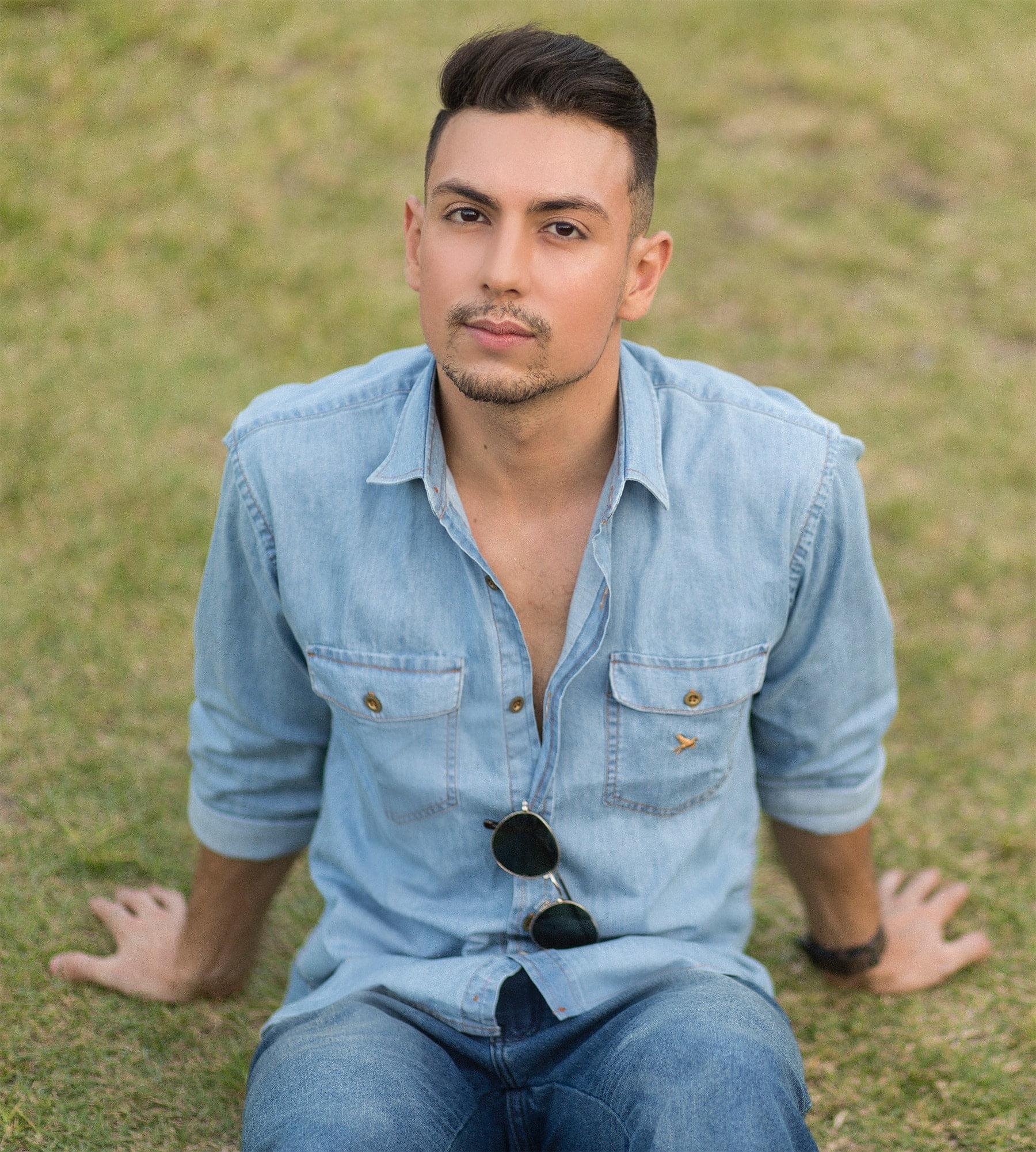 juan-alves-b-como-usar-camisa-jeans-homens-que-se-cuidam