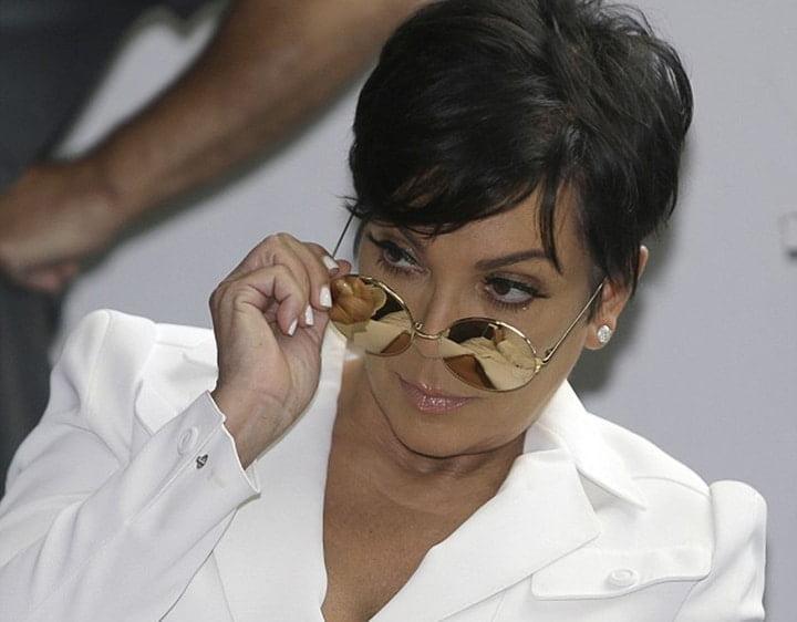 mama kardashian de oculos a dicas de presentes para maes