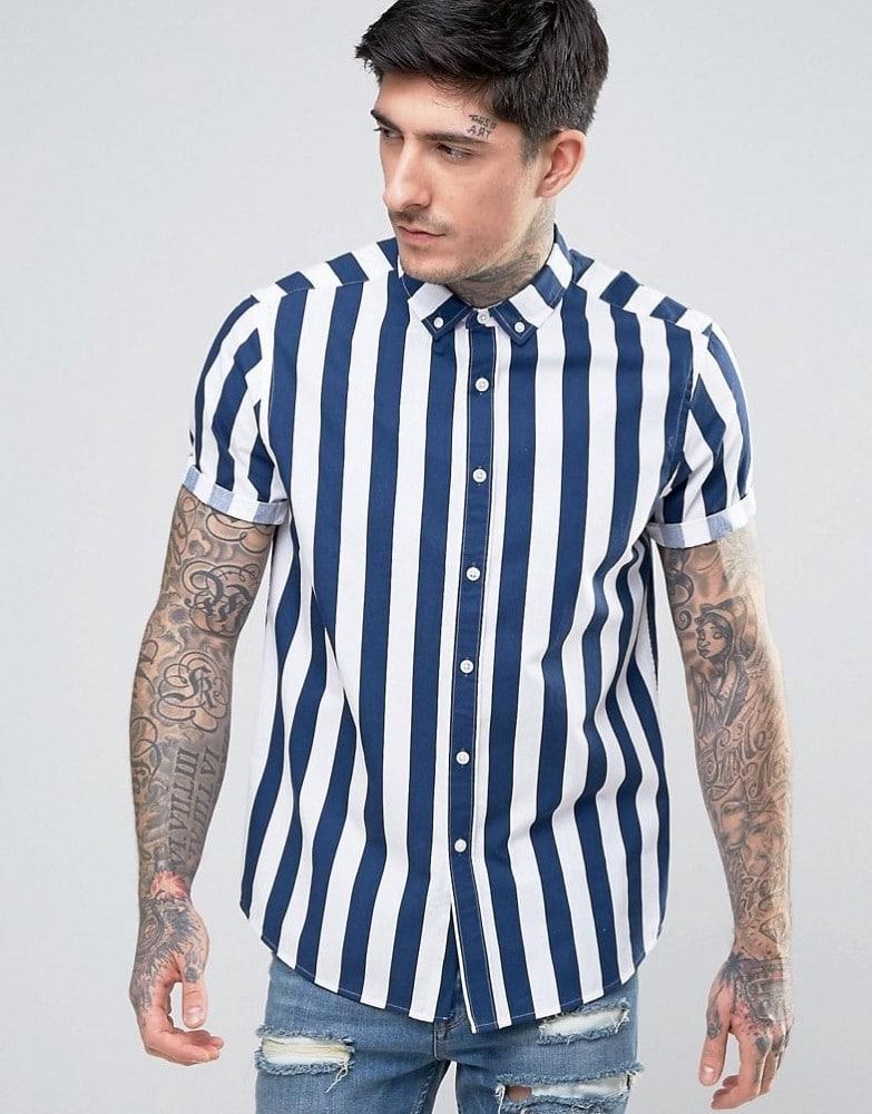 d381e86428 Eu já comentei dessa tendência do listrado por aqui e você vai encontrar  muitas camisas com essa estampa por aí 😀
