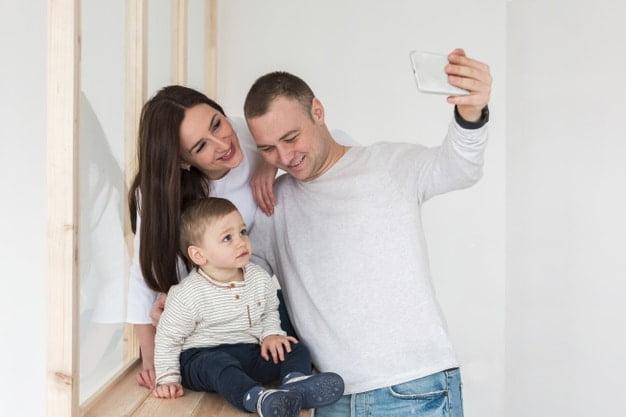 pai tirando selfie