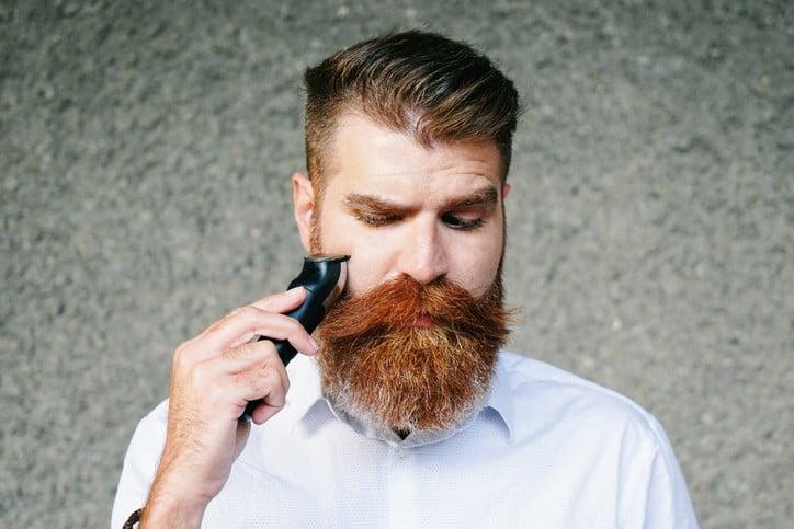 pai se barbeando