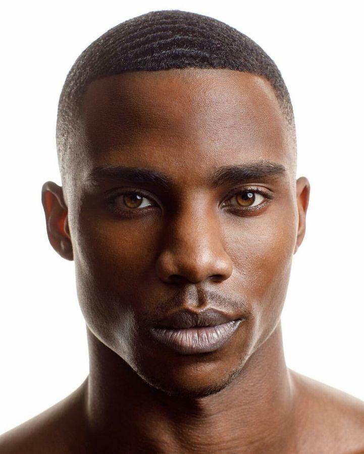 Pele masculina negra precisa de cuidado especial?