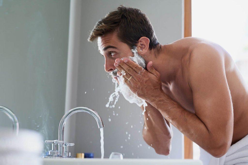 lavando o rosto