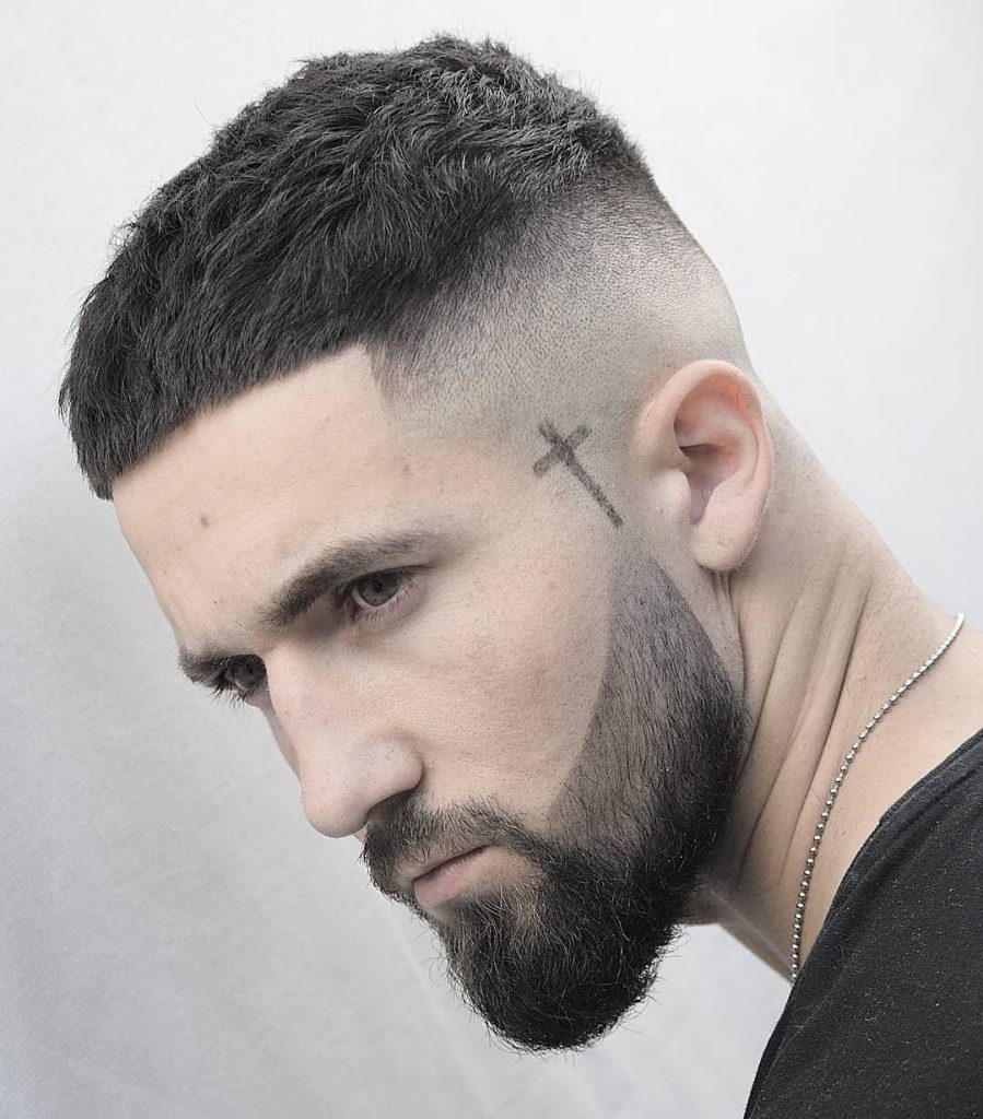 corte masculino curto caesar e