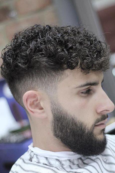 corte masculino cacheado curto