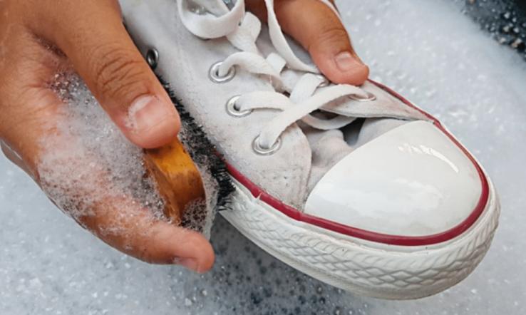 Imagem da publicação Como Limpar Solado de Tênis e Deixar Branco de novo!