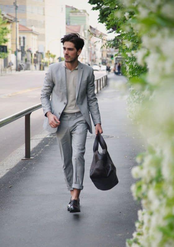 Estilo minimalista masculino cinza