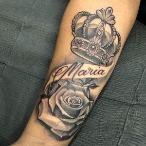 Tatuagem masculina de homenagem